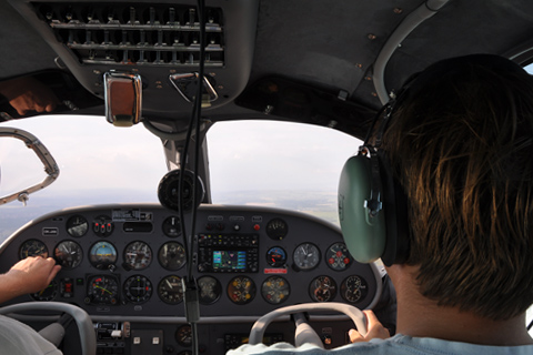 Become an flight instructor - Flight instructor - FI(A)