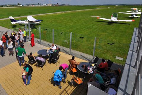 Zpestřete své akce atmosférou letiště - Firemní akce a oslavy