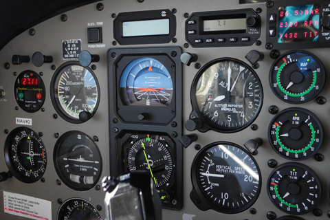 Turn indicators, artificial horizons and gyrocompasses  - Flight instruments repairs
