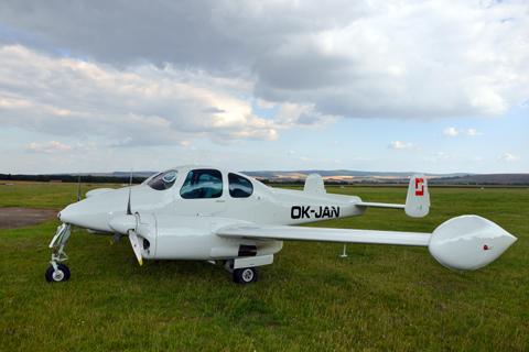 Létání s dvou a více motorovými letouny - Vícemotorové letouny - MEP