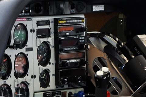 Vyřešíme Vám nejen přechod na 8,33 kHz - Zástavby avioniky